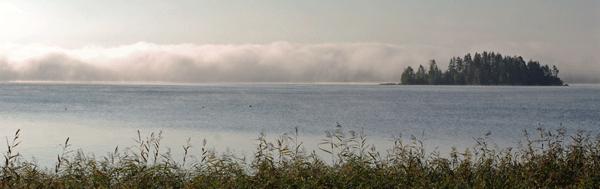 Päivittäisinkö tapahtumabudjetin ennustetta vai seuraisinko sumuverhon vetäytymistä järvellä?